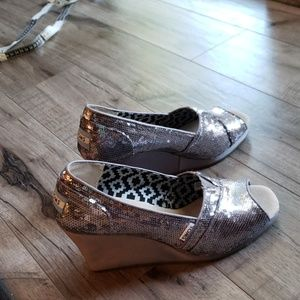 Tom's silver sequin wedges